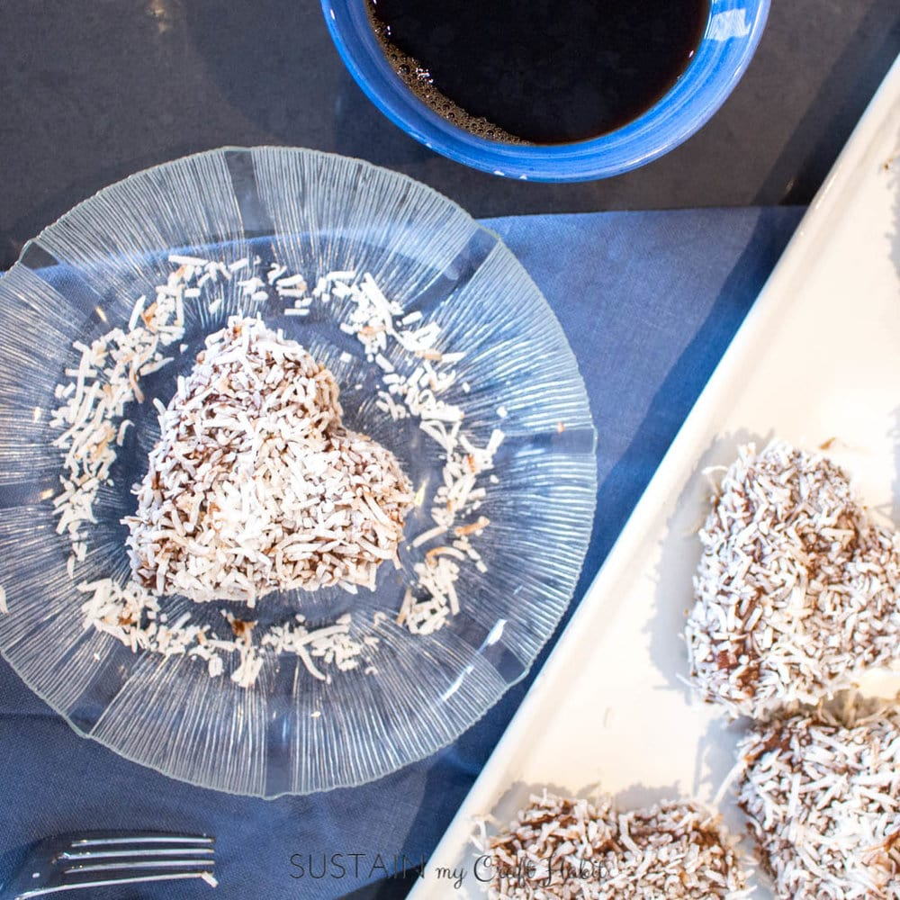 If you're looking for an easy dessert to treat your sweetie, try this chocolate and coconut coated mini-cake recipe (also known as cupavci). It's sure to become a family favourite in no-time!