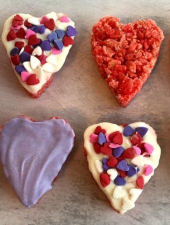Valentine treats for kids rice krispie hearts.