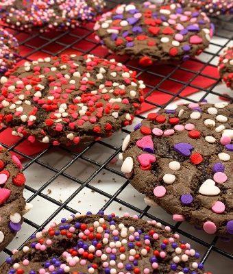 Valentine treats for kids chocolate cookies.