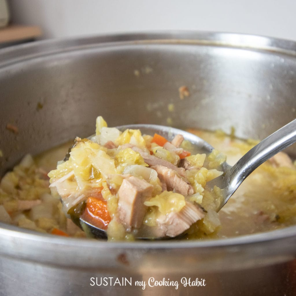 how to make cabbage soup with meat